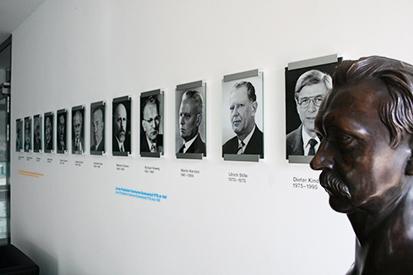 Timeline portrait gallery